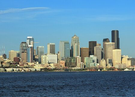 View From The Sea To The Waterfront Skyline Of Seattle 스톡 콘텐츠