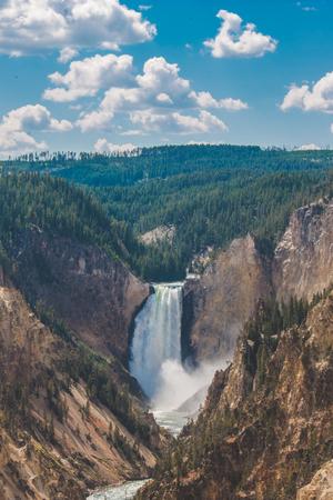 Yellowstone falls 版權商用圖片