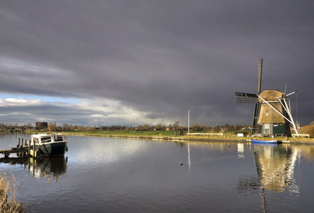 pleasure craft: Windmill the Bumblebee just before a heavy shower