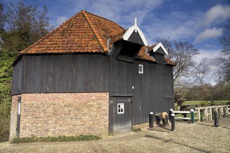 molino de agua: Molino de agua cerca de Haller den Diepenheim en la región de Twente holandés