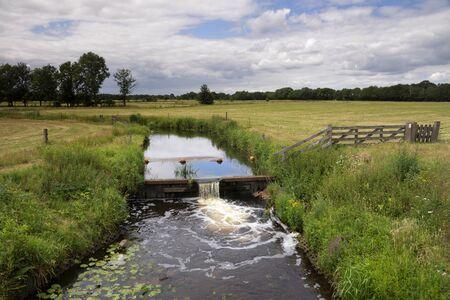 Weir in the river 版權商用圖片
