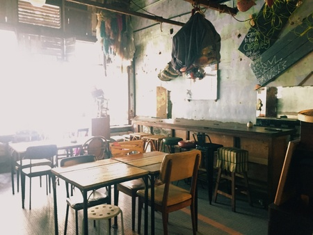 mushrooming: Rustic third wave artisan coffee place like this has been mushrooming in Malaysia. Most customers go there for the ambience and coffee rather than full fledge lunch or dinner.