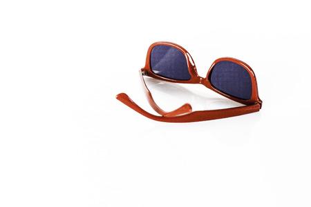 빨간색 선글라스