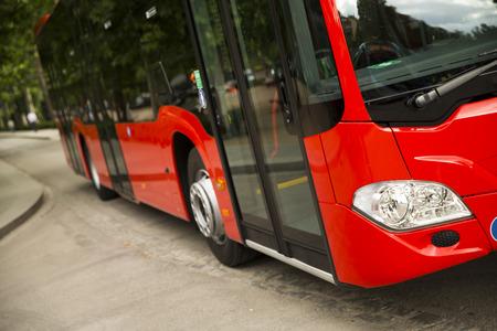 Nieuwe moderne stadsbus