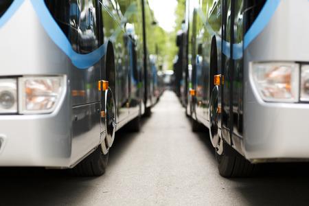 Nuevo autobús de la ciudad moderna Foto de archivo