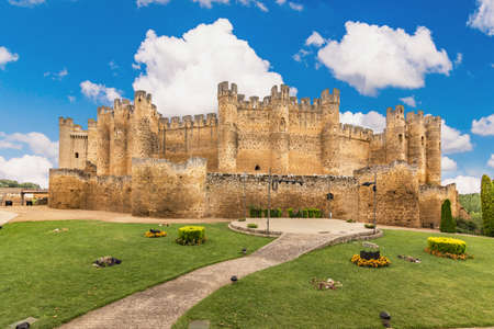 Castle famous for being great and ancient in the province of León