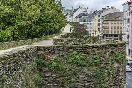Le mur romain de Lugo entoure le centre historique de la ville galicienne de Lugo dans la province du même nom en Espagne