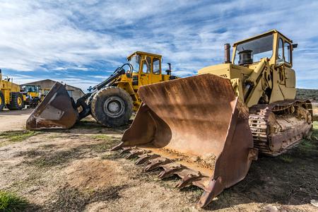 Flota de máquinas excavadoras en alquiler o venta