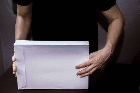 Envelope handling at a post office center Banque d'images
