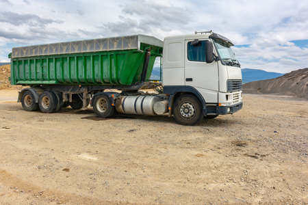 Truck for the transport of stone and rock in a quarry