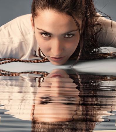 mujer: Fotografia de mujer en estudio
