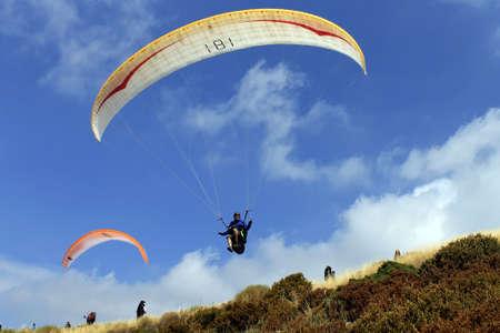 parapente: AGR, SPANJE - 29 augustus: PWC Paragliding World Cup op 29 augustus 2011 in ger, Spanje Redactioneel
