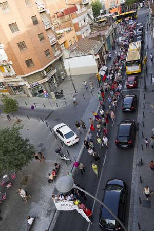 salud publica: BARCELONA, ESPA�A - 28 de junio: La protesta contra los recortes en la salud p�blica el 28 de junio de 2012 en Santa Coloma de Gramanet (Barcelona), Espa�a. Editorial