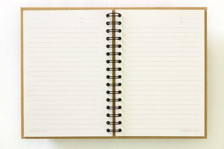 journal intime: Recycler le papier portable ouvert deux pages sur fond blanc Banque d'images