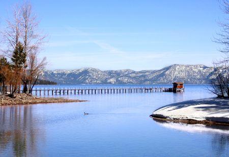 Belle vue sur le lac Tahoe à Tahoe City, Californie  Banque d'images - 2997378