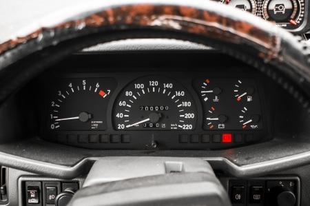 kilometraje: Dashboard con el kilometraje 200000 Foto de archivo