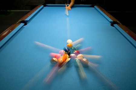 billiards tables: Power break in eight ball pool game