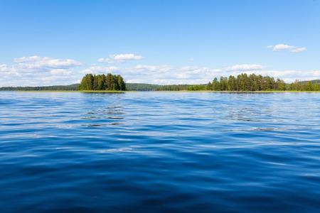 Finland lake scape at summer Standard-Bild