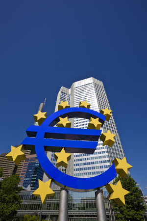 Euro symbol in front of the European Central Bank headquarters, Frankfurt, Hesse, Germany