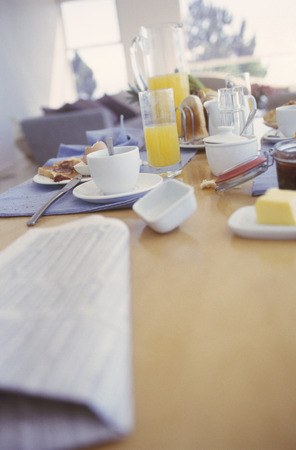 View of a dirty breakfast table LANG_EVOIMAGES