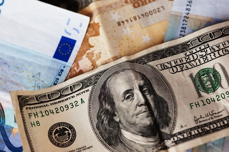 billets euro: dollar et euro notes.