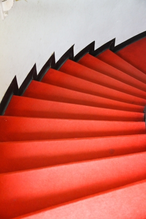 Alfombra roja en escaleras photo