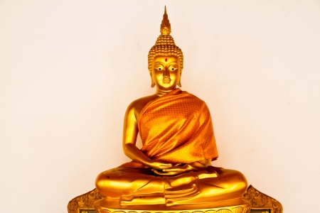 buddha statue on white background Stock Photo - 14686903