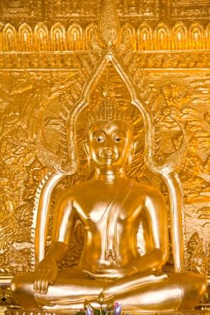 golden buddha statue Stock Photo - 15237223
