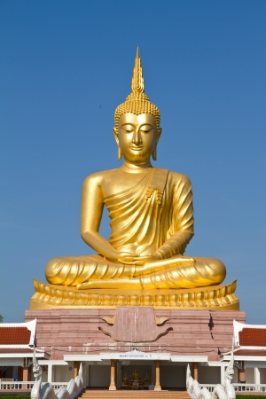 Buddha statue Stock Photo - 16498152