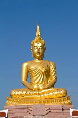 Buddha statue Фото со стока - 16498148