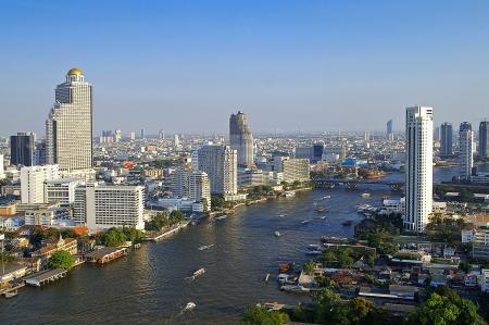 phraya: R�o Chao Phraya paisaje urbano Foto de archivo