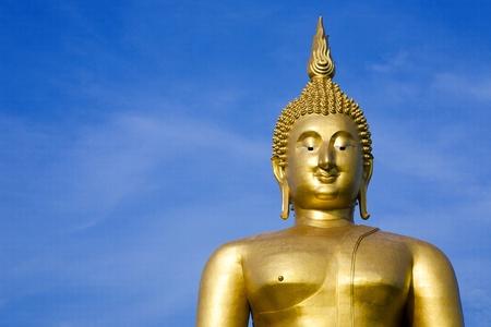 Big buddha in blue sky Stock Photo - 13451632