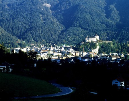 tyrol: Medieval fortress of Kufsten in lower region of Tyrol, Austria, documented for the  first time 1205. Stock Photo