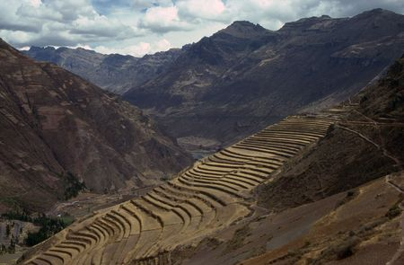 terracing: Inca ruins and terracing  in Pisac, Peru