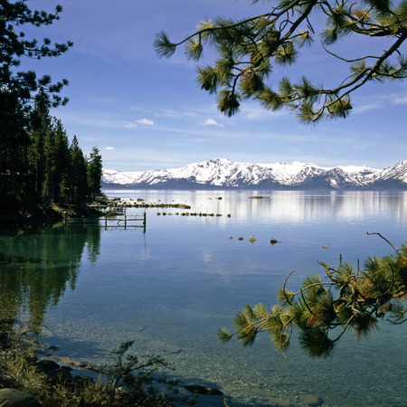 Lake Tahoe: Lake Tahoe with snowy mountains in California