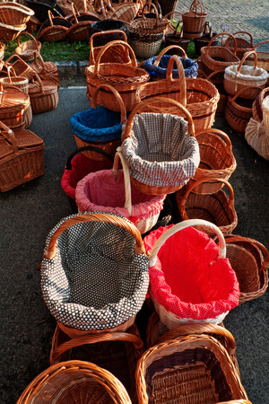 colrful: Wooden baskets with colorfuly lined