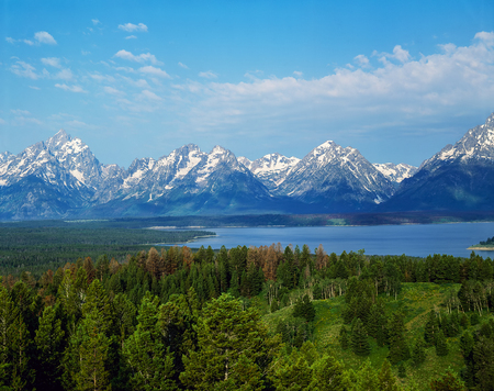 teton: Grand Teton and Jenny Lake in Wyoming