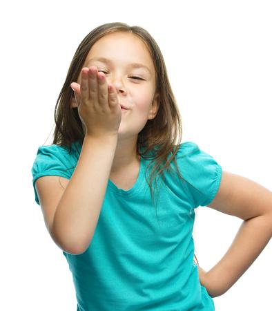 astonishment: La muchacha linda est� sosteniendo su cara de asombro y buscar, aislado m�s de blanco