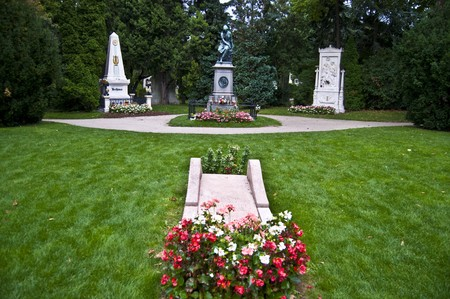 beethoven: memorials and graves of the three famous classical composers Beethoven, Schubert and Mozart Stock Photo