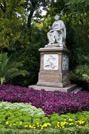 franz: statue of Franz Schubert in the Stadtpark of Vienna