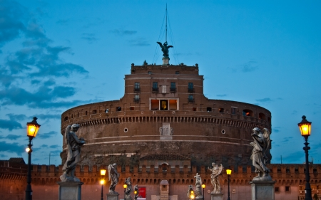 angelo: Castel and Ponte Sant Angelo in Rome in the evening