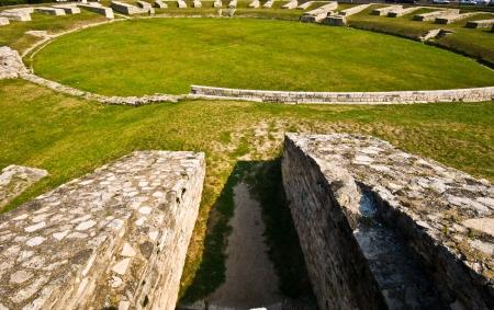 roman amphitheatre: restos del anfiteatro romano en Budapest Foto de archivo