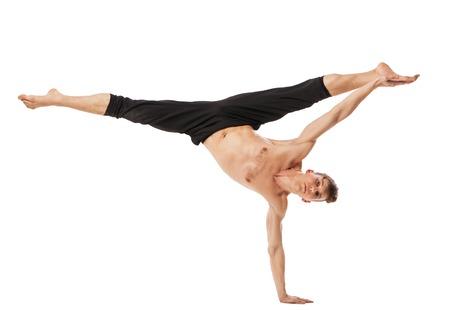 Bailarín de ballet moderno posando aislados sobre fondo blanco