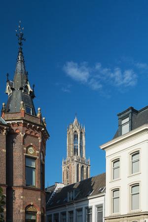 dom: La Tour Dom dans la vieille ville d'Utrecht.