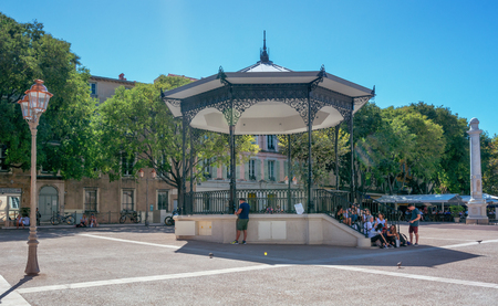 Antibes, France, September 11, 2018:  The music kiosk on the square Place Nationale of the French city Antibes. 新聞圖片