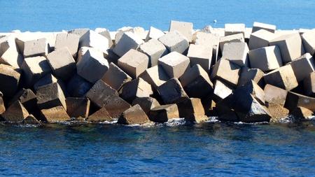 breakwater: mound breakwater