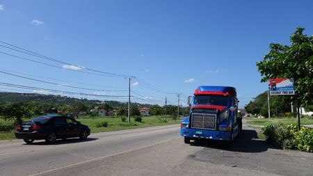 autotruck: On Caribbean road