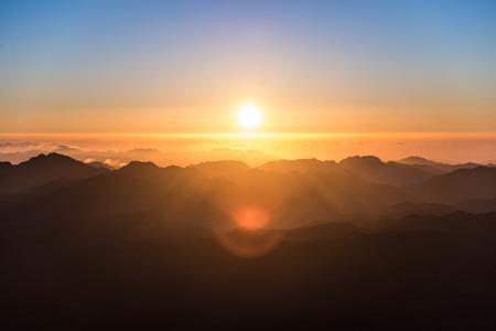 monte sinai: Amanecer en el Monte Sinaí, Egipto