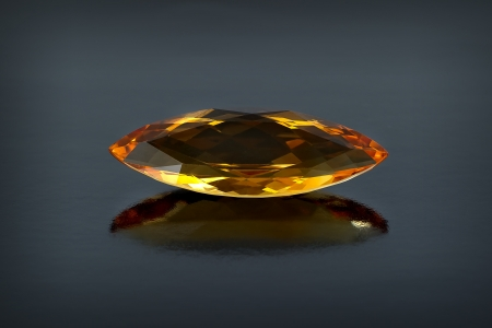 Single citrine gemstone