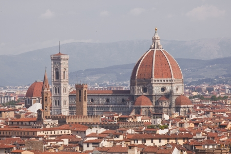 Looking over the rooftops of Florence to cathedral Santa Maria del Fiore Stock Photo - 15097337